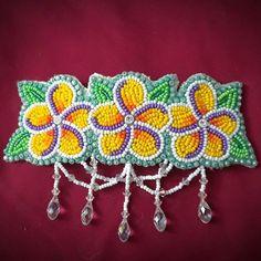 One of my favorite barrette pieces I've made! I feel so elegant #beadwork #beadedbarrette #nativeart #beadworkbeauty #tropicalbeadwork #elegantstatus