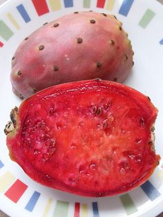 Tuna / Cactus Pear / Prickly Pear / Cactus fruit - Similar seeds and texture to dragon fruit or pitaya/pithaya
