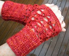 Ravelry: Project Gallery for Seasons' Change Fingerless Mitts pattern by Deborah E. Burger $2.00