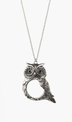 Antique Silver Owl Magnifying Glass Pendant Necklace. Omg I want thisssss it's sooo cute ! Hint hint dawid<3