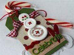 Christmas crafts made of buttons | Picturescrafts.com