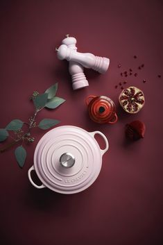 New Shell Pink has been inspired by the soft tones of seashells, capturing the essence of romance and summer sunsets. Add an elegant blush to the kitchen and the home with Shell Pink from Le Creuset, launching in store and online at www.lecreuset.co.za from 14th February 2020. Summer Sunset, Le Creuset, Sea Shells, Product Launch, Elegant, Cookware, Sunsets, February, Pink