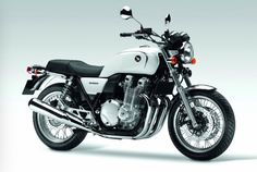 Alongside the updated 2014 Honda revealed a new variant it calls the EX. Both 2014 models were announced at the Tokyo Motor Show but we're [. Cafe Racer Honda, Inazuma Cafe Racer, Cafe Racer Helmet, Cafe Racer Girl, Cafe Racer Bikes, Cafe Racer Motorcycle, Cafe Racers, Motorcycle Helmets, Honda Bikes