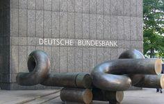 Come la Germania bara, col consenso della UE e l'inerzia della BCE, sul rendimento dei Bund tedeschi. Dopo il caso Volkswagen vacilla il mito tedesco?