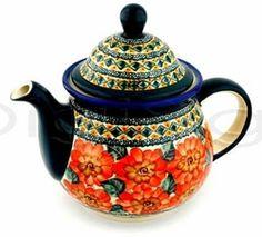 Peach floral teapot from the Zaklady Ceramiczne Boleslawiec factory.