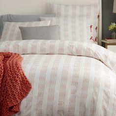 ON SALE! Dotted Stripe Duvet Cover, Stone White/Desert Sunset king size + duvet insert (from somewhere else probably)