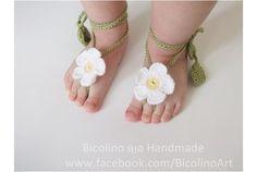 """""""Piedi nudi"""" sandali e fascetta per bambina ad uncinetto"""