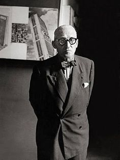 The 75 Best Dressed Men of All Time Le Corbusier, architect and designer Because that is how you wear a bow tie, gentlemen. Le Corbusier, Oscar Niemeyer, Alvar Aalto, Frank Lloyd Wright, Best Dressed Man, Well Dressed, Costume Gris, Portraits, Zaha Hadid