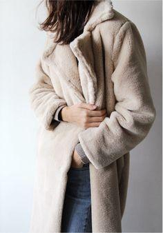 {Coat.}