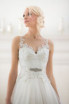 Veluz Reyes Wedding Gowns that Sing with Details