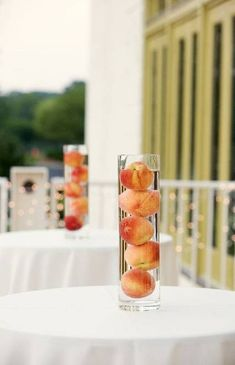 A unique and inexpensive centerpiece alternative. Use different fruits depending on the season. Peach Bridal Showers, Peach Baby Shower, Peach Wedding Theme, Peach Party, Fruit Wedding, Wedding Colors, Wedding Flowers, Inexpensive Centerpieces, Elegant Centerpieces