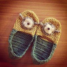 Minion slippers - Free pattern