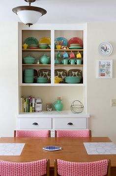 Just a little pop of Fiesta Ware would be perfect!