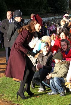 Kate Middleton Photos: English Royals attend services at Sandringham Christmas 2011