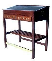 Da Vinci 2 in 1 stand up.  Nice with the leather top but no flat space except for the very top.