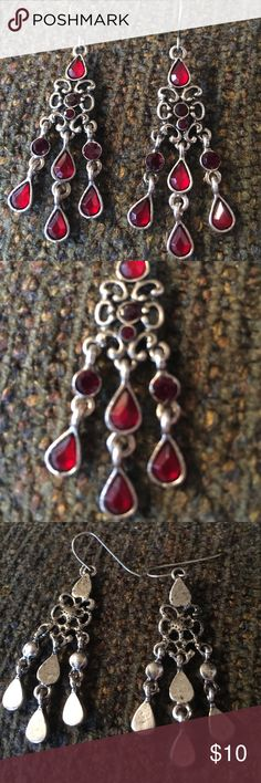 ANTIQUE LOOKING RED TEARDROP CHANDELIER EARRINGS 🌺...VERY PRETTY...ANTIQUE LOOKING CHANDELIER DANGLE EARRINGS WITH RED TEARDROPS.  CUTE set.  Stored in a smoke free home. Unknown Jewelry Earrings