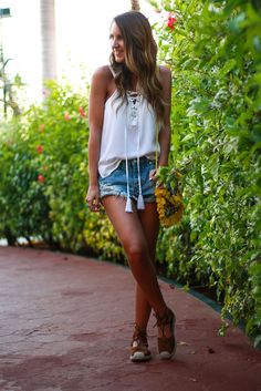 The Perfect Denim Cut Offs | Twenties Girl Style