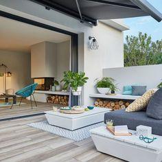 53 small balcony garden ideas inspiration for home and apartment Roof Balcony, Small Balcony Garden, Outdoor Tiles, Outdoor Decor, Painted Brick Exteriors, Master Room, Backyard Makeover, Tropical, Roof Design