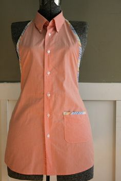 Sew many apron patterns and I want to make one of each! Thanks to Pat Baker. Mens shirt to apron? I think I can do this! Men's Shirt Apron, Shirt Dress, Umgestaltete Shirts, Cute Aprons, Sewing Aprons, Aprons Vintage, Shirt Refashion, Diy Clothing, Diy Fashion