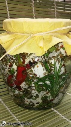 Feta, Paleo, Dairy, Cheese, Table Decorations, Gifts, Kitchen, Gastronomia, Marinated Cheese