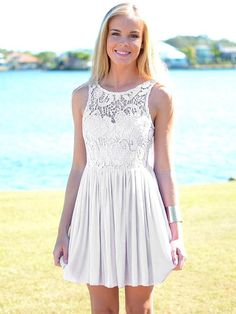 A-line Bateau Chiffon Short/Mini Sleeveless Lace Homecoming Dresses at Msdressy