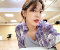Choi Yoojung, Kim Sejeong, The Love Club, Jellyfish Entertainment, Ioi, Korean Singer, Kpop Girls, Girl Group, Actresses