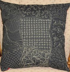 Color Me Quilty: Gilty Quilty Pillow is Done!