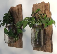 Old wood projects barn boards barbed wire 17 ideas . Old wood project Barn Board Projects, Old Wood Projects, Diy Projects, Reclaimed Wood Floors, Diy Wood Floors, Wood Wood, Rustic Wood Crafts, Rustic Wood Signs, Barnwood Ideas