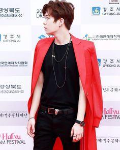 ;; 150920 Youngjae at 2015 Hallyu Dream Festival Red Carpet ©voicefactory.  #GOT7 #MAD #니가하면 #CHOIYOUNGJAE