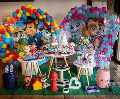 A imagem pode conter: 1 pessoa Sibling Birthday Parties, Joint Birthday Parties, Birthday Party Themes, Paw Patrol Birthday Decorations, Paw Patrol Birthday Girl, Cumple Paw Patrol, Astronaut Party, Colorful Party, A Table