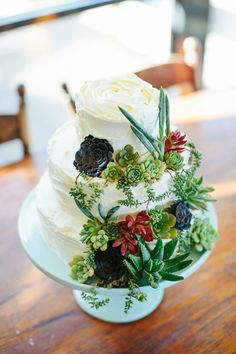 wedding cake with succulents - photo by Love Katie and Sarah http://ruffledblog.com/relaxed-backyard-australian-wedding