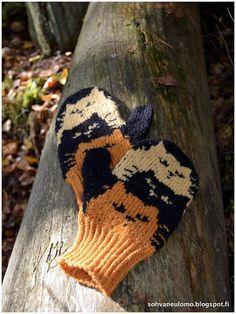 Sohvaneulomo: Syksyiset kissalapaset Knitted Mittens Pattern, Knitted Cat, Crochet Mittens, Crochet Gloves, Knitted Dolls, Crochet Yarn, Knitting Charts, Knitting Socks, Hand Knitting
