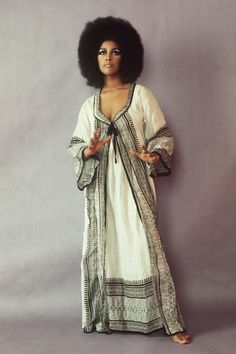Marsha Hunt Photograph by Araldo di Crollalanza african american women Style Année 60, Mode Style, Style Icons, African American Fashion, American Women, Vintage Outfits, Vintage Fashion, Vintage Clothing, Black And White Outfit