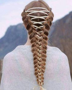 Penteado inspiração com trança. Peinado para inspirarse con trenza.