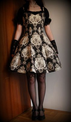 Made to measure lolita JSK Rococo print A-line dress. Lovely lolita <3 Pretty fabric used in the perfect simple way.
