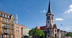 Mehr als ein Drittel der Menschen in Deutschland gehört keiner Konfession an, Katholiken und Evangelikalen halten zusammen mit den anderen christlichen Kirchen nur noch 59 Prozent der Bevölkerung. Weniger als fünf Prozent sind Muslime.