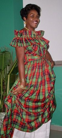 Association Femme Créole//La mode Martiniquaise - Styles contemporains Fabric Headbands, African Print Dresses, Couture, Traditional Dresses, Fashion Outfits, Womens Fashion, African Fashion, Summer Dresses, Mauritius