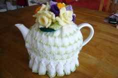 You have to see Tea cosies on Craftsy! - Looking for knitting project inspiration? Check out Tea cosies by member Lizbet S. Tea Cosy Knitting Pattern, Tea Cosy Pattern, Knitting Patterns, Scarf Patterns, Crochet Cozy, Crochet Granny, Hand Crochet, Teapot Cover, Knitted Tea Cosies