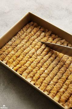 Cinnamon Baklava Rolls | Cleobuttera Baklava Dessert, Baklava Cheesecake, Baklava Recipe, Greek Desserts, Greek Recipes, Arabic Dessert, Arabic Food, Delicious Desserts, Dessert Recipes