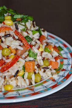 salata de orez cu legume Pasta Salad, Cobb Salad, Food Inspiration, Cooking Recipes, Lunch, Ethnic Recipes, Diet, Crab Pasta Salad, Chef Recipes