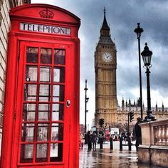 London for sure isn't the cheapest travel destination around. But if you're creative you can spend your whole time doing free things in London! Things To Do In London, Free Things To Do, Covent Garden, Hyde Park, Camden, Costa Rica, Big Ben, London Telephone Booth, I Want To Travel