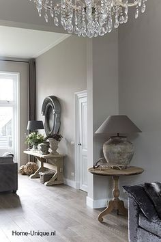 L'esprit, le style de la maison = A Déterminer à partir de matières, ambiance, couleurs.... 4/4