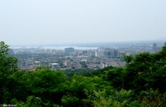 Eastern part of Montréal from Mt. Royal; St. Lawrence River in background, Pont Jacques Cartier on right.