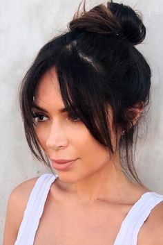 haar pony 27 Cute Medium Length Hairstyles with Bangs Medium Hair Cuts, Medium Hair Styles, Curly Hair Styles, Natural Hair Styles, Bangs With Medium Hair, Haircuts For Long Hair With Bangs, Haircuts With Fringe, Side Bangs Long Hair, Mid Length Hair With Bangs