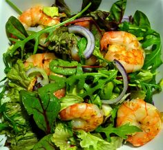 healthy and delicious shrimp salad. The combi between shrimps, avocado and rocket salad is heavenly!