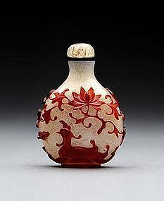 Red Overlay Glass Snuff Bottle