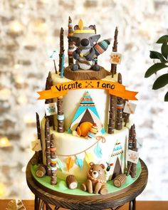 Bom dia com o bolo fofura no tema Floresta Boho que fizemos para a querida ! Inspired by the amazing work of ❤️ Baby Boy Birthday, First Birthday Cakes, Birthday Cake Girls, Baby Shower Cakes, Tribal Baby Shower, Woodland Cake, Shower Bebe, Cakes For Boys, Girl Cakes