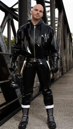 """punkerskinhead: """"skinhead in awesome rubber gear """" Gay, Skinhead Boots, Mode Latex, Latex Men, Tight Leather Pants, Skin Head, Latex Pants, Tokyo Street Style, Hommes Sexy"""