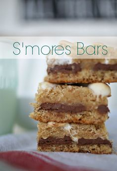 These+s'mores+bars+are+my+favorite+summer+treat!+These+are+perfect+for+when+you+want+s'mores+but+need+to+feed+a+crowd+and+don't+have+time+to+build+a+fire.++Kids+and+adults+alike+will+devour+them!+via+lifeingrace