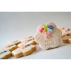45 Me gusta, 7 comentarios – Yeliz'in Kurabiye Sepeti ( e… – Fashion and Street Styles on Internet Fondant Cookies, Galletas Cookies, Cookie Icing, Biscuit Cookies, Cupcake Cookies, Sugar Cookies, Fancy Cookies, Valentine Cookies, Cute Cookies